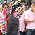 Matsu temple performer